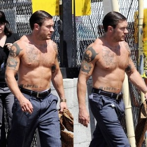 tom hardy fisico