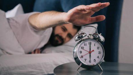 dormir poco adelgaza o engorda